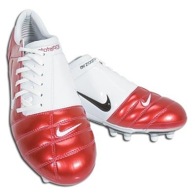 Midfielder S Playmaker Cleat Wide Le Comfortable For Periods Of Sustained Running With Large Surfaces Accurate Passing And Good Ball Control