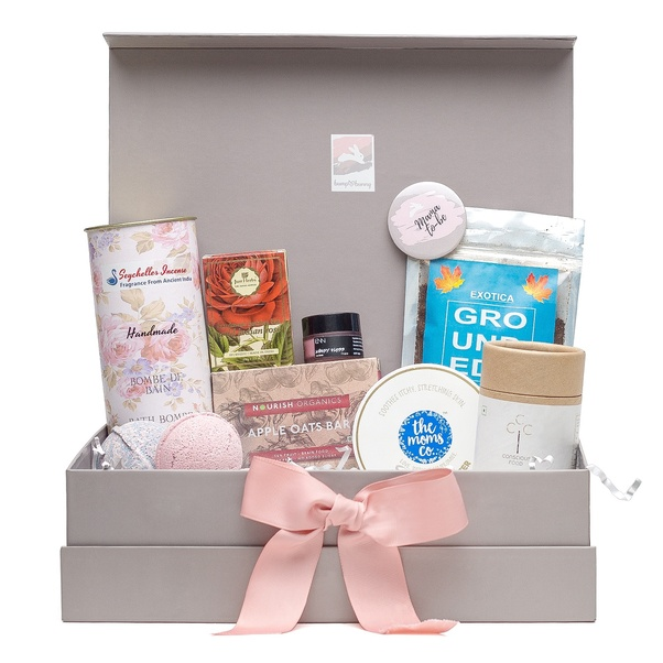5fd950ced3 Pregnancy Gift Box - Trimester 2 - 'Stay Bumpilicious' contains The Moms  Co. Body Butter for a stretch-free belly, Conscious food ginger drops  aiding in ...