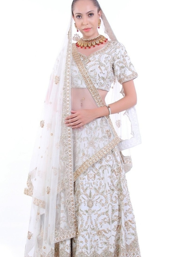 b8ffed010 If you unable to find out the best outfits on shops then you can buy  anarkali suits online at best rate. Check out some latest collections below: