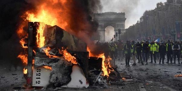 """U Francuskoj nožem ubio policajku, vikao """"Allahu Akbar"""" - Page 2 Main-qimg-82ce36afaaafb66b02cda6bc50f69834"""