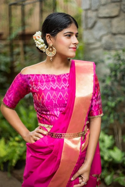 a665e252af It looks very stylish and at the same time keeps the wearer comfortable.  Belts can be worn with all kinds of sarees-simple, traditional or trendy.