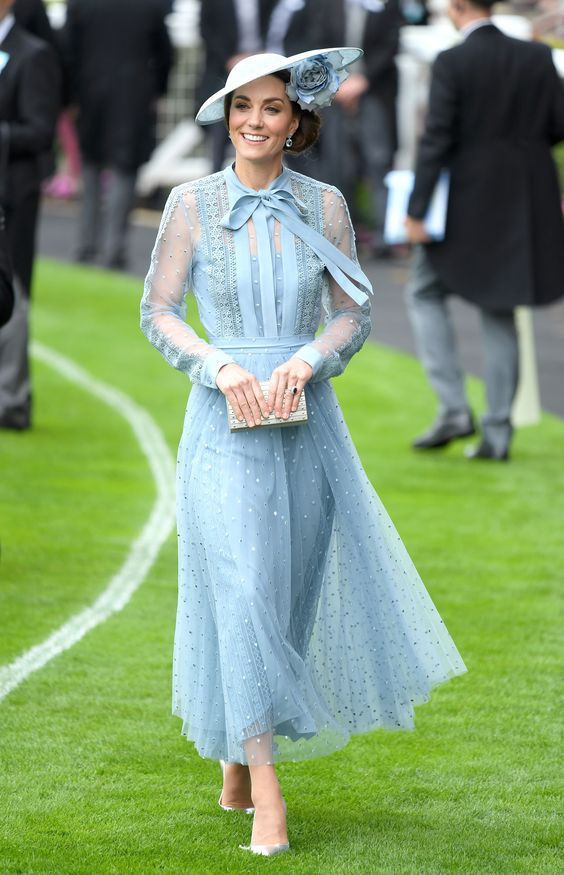 Самые женственные платья, которые носила Кейт, герцогиня Кембриджская