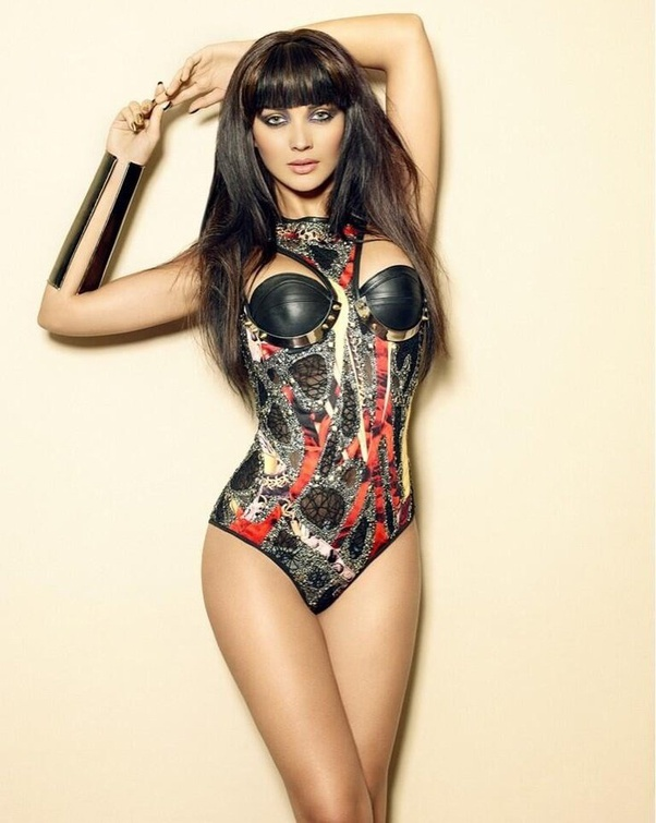 What are your favourite photos of Amy Jackson? - Quora