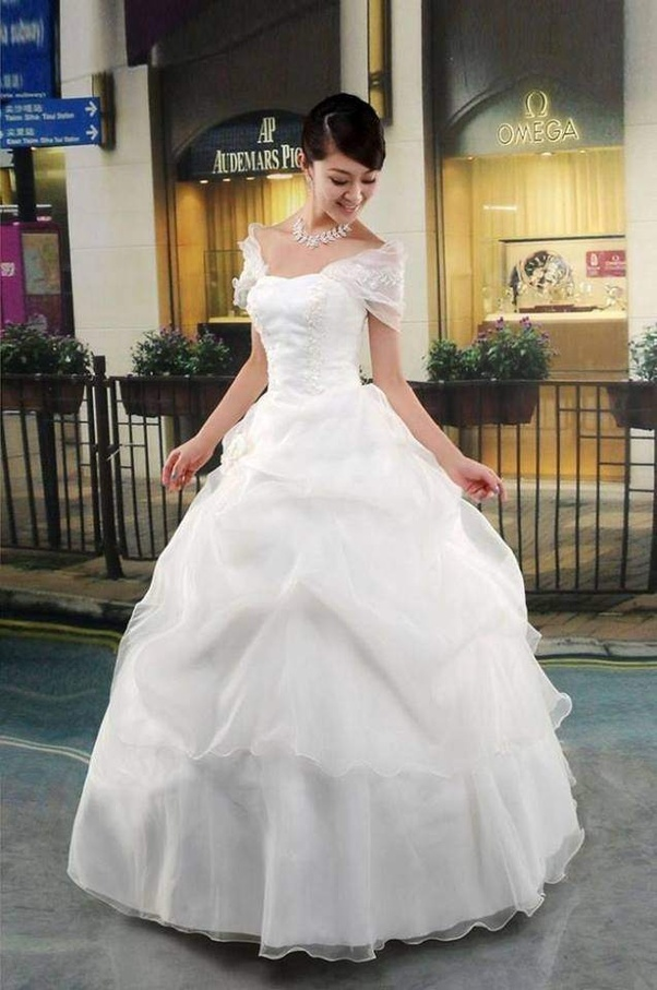 a3b50ad49a8 Were can I find a Christian wedding gowns store in Mumbai or Delhi ...