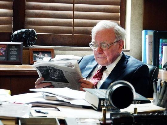 Warren Buffett says that we should read 500 pages a day ...
