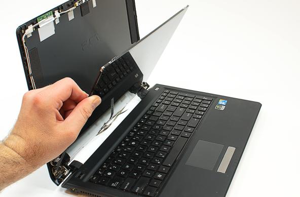 how to change your brocken hp laptop scren