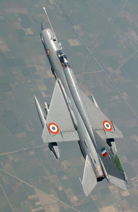 What are the differences between the MiG-21 Fishbed & the MiG-21