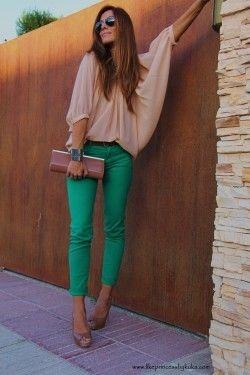 Which color top can go with green pants? - Quora