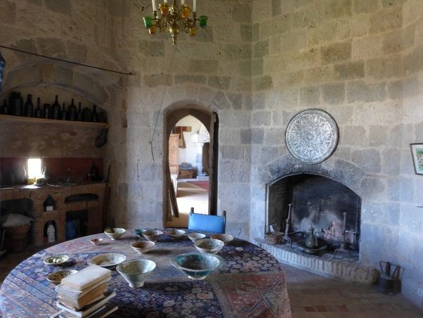 The Only Rooms Without Fireplaces Are In Basement Store And Small Narrowest Tower Which Were For Military Purposes