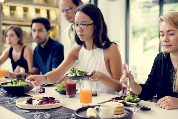 Many restaurants have their menu readily offered online - Smart Tips to Eat Healthy on a Budget
