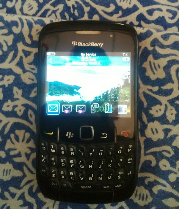 Is the BlackBerry Curve 9320 still usable in 2018? - Quora