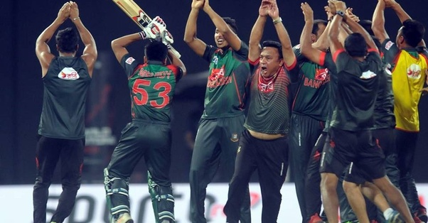 asian cup cricket snake dance
