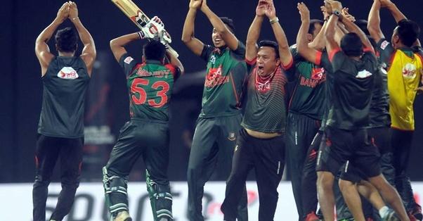 asian cup cricket snake dance