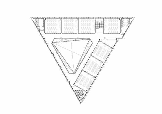 Why is a triangular building bad quora for Triangular house floor plans