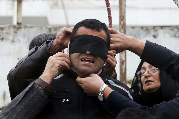 Amazing Pictures: How An Iranian Mother Saved A Murderer From Hanging 3