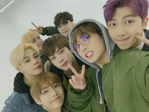 Would a BTS member date a BlackPink member? - Quora