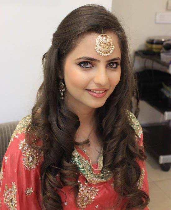 Also Try Checking Below Hairstyles By Famous Bollywood Actresses So That  You Will Get An Ideas How You Can Style Your Hair Proper With Ethnic Attire