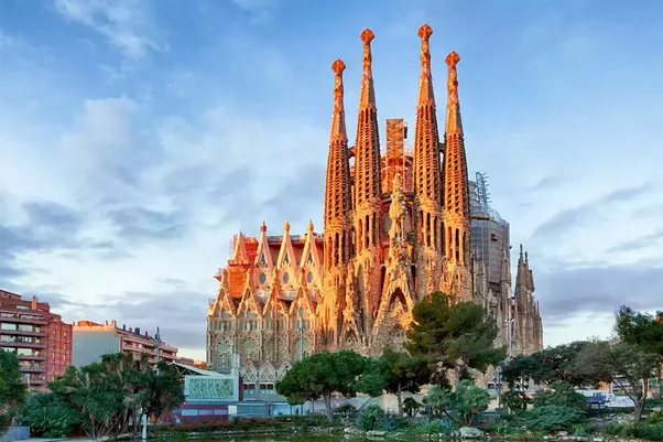 The High Tourist Season In Barcelona Lasts From Mid June To La Mercé Festival Which Takes Place On 20th Of September
