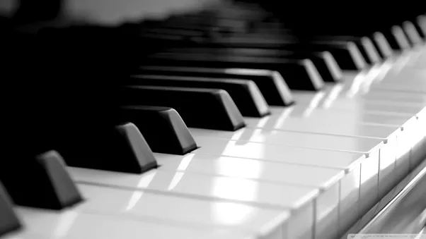 what is the difference between a piano and a keyboard quora