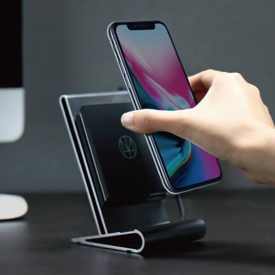 various colors 4fc63 19a68 Does the iPhone XR support wireless charging? - Quora