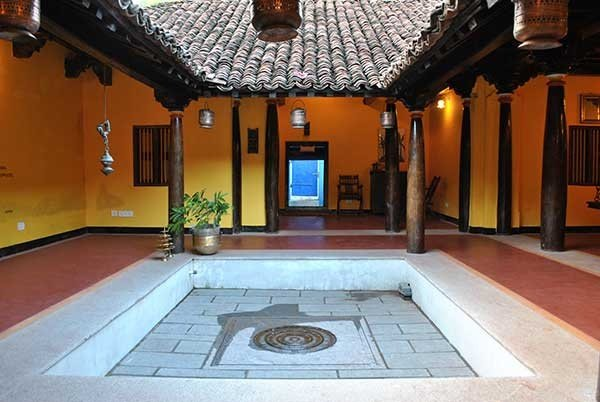 What does a traditional house in your country look like for Thai classic house 2
