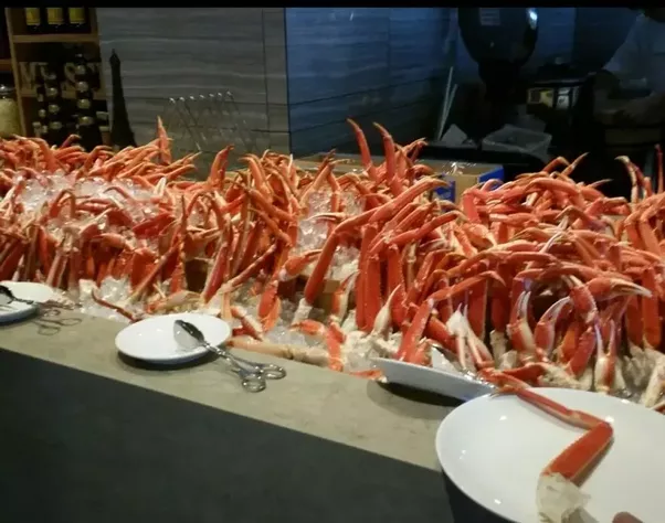 Crab Buffet Eat To Your Crab S Content: What The Benefits Of All You Can Eat Crab Legs?