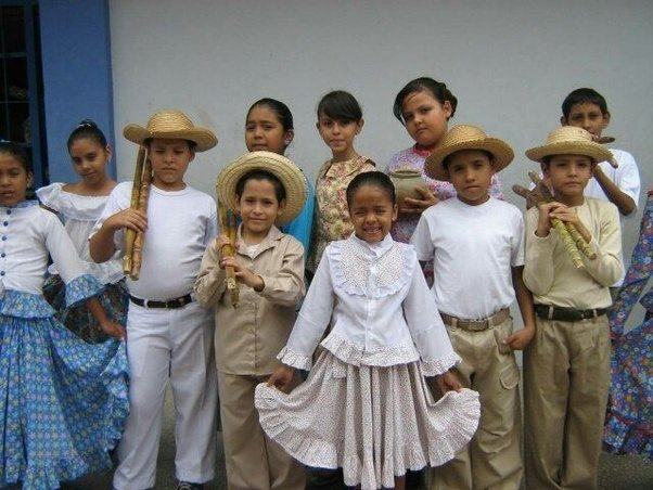 What is the traditional dress in Venezuela? Where is it ...