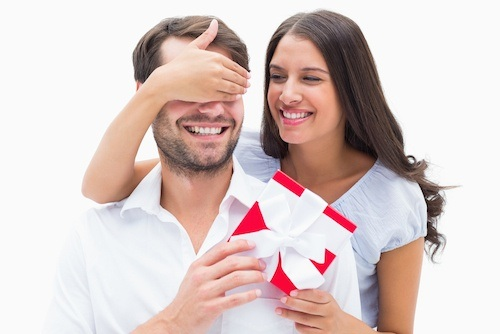 Giving gifts while dating