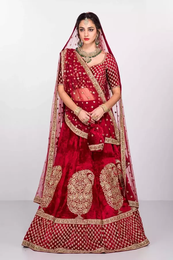 Is there a place where I can rent party/wedding clothes in mumbai ...