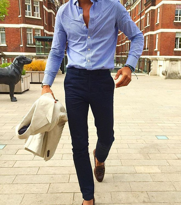 What colored shirts can be combined with navy blue pants