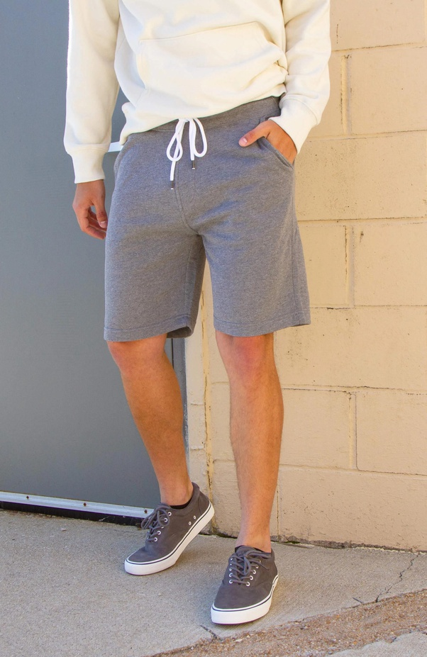 8 Cool Ways To Style Your Shorts For Men - LIFESTYLE BY PS