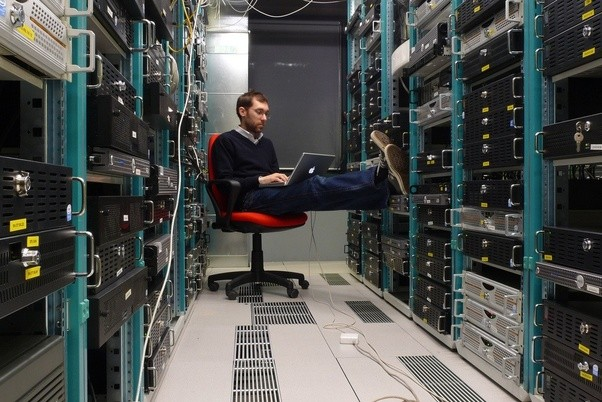 What are server rooms used for? - Quora