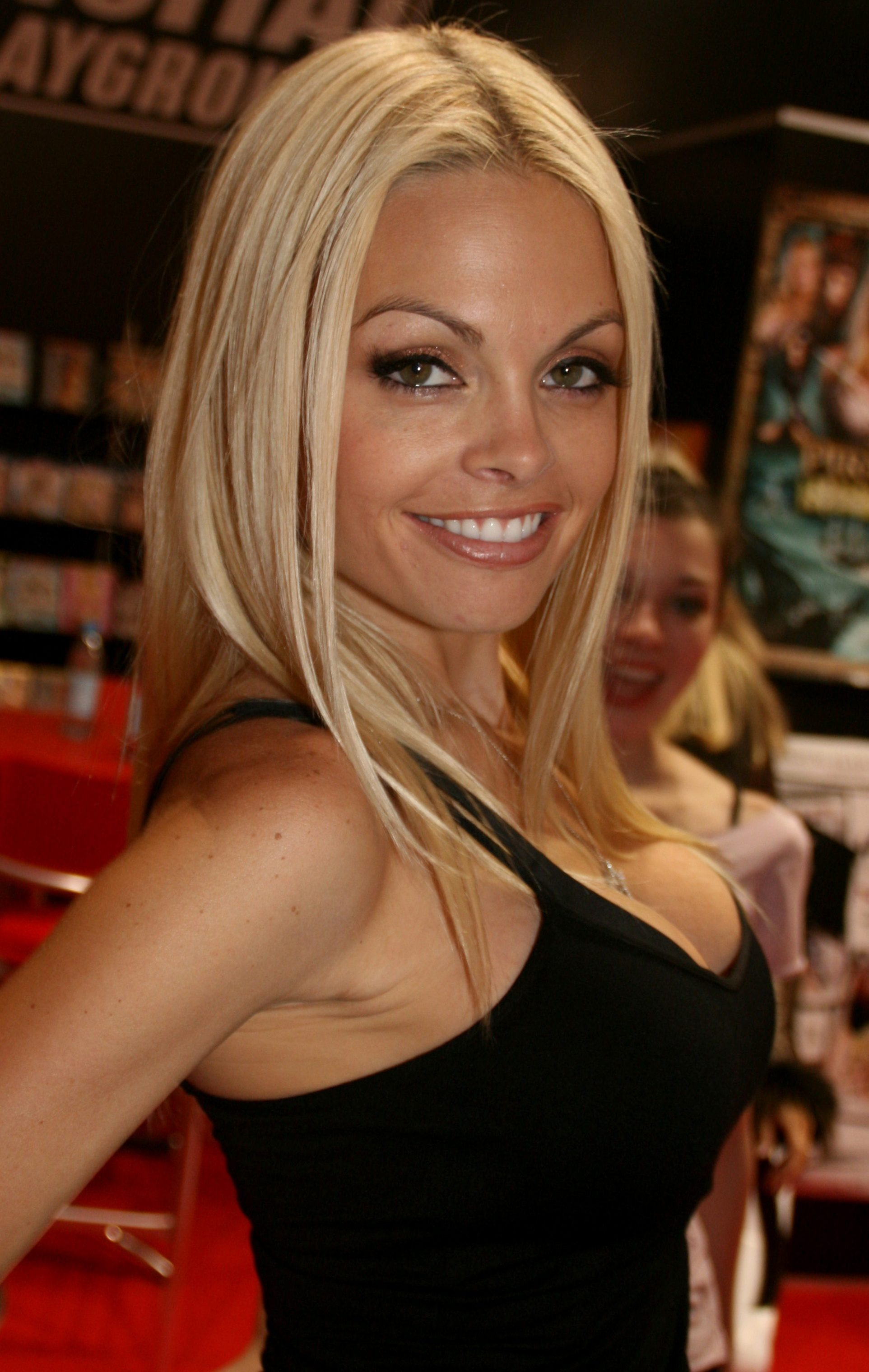 Jesse Jane became the most famous and rich US porn star without doing anal.  She did a couple after she was a superstar and because she wanted.