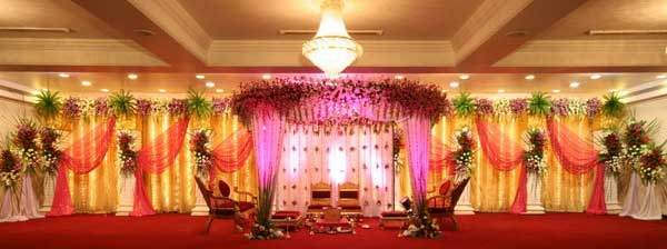 Which Are Good Places In Mumbai For Wedding Reception And Cocktail