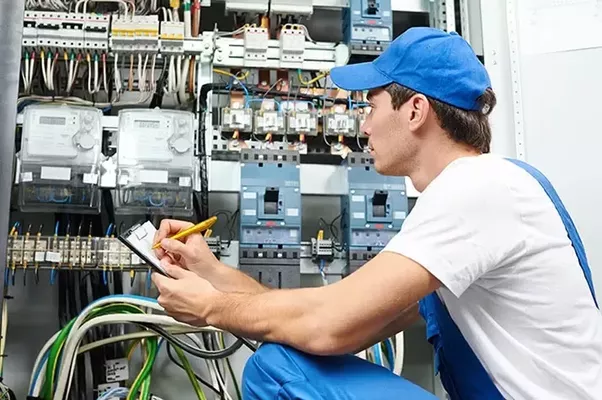 picture of electrician  What are some things every electrician should know? - Quora