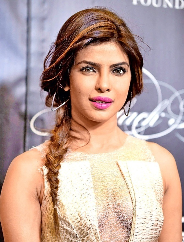 how tall is priyanka chopra quora. Black Bedroom Furniture Sets. Home Design Ideas