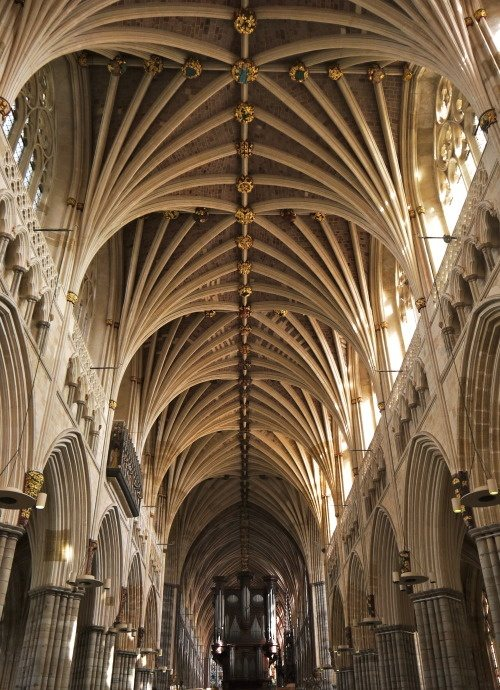 What Are Some Good Examples Of Gothic Architecture