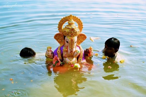 Nandurbar – 6 drown during Ganesh visarjan.