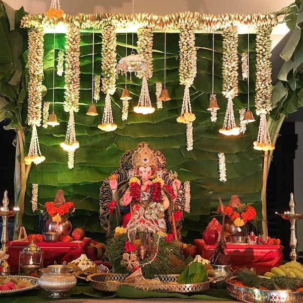 Lovely Ganpati Decoration At Home With Kaliras   Kaliras Look Extremely Pretty And Decorating  Ganpati Makhar With It Will Make The Ganpati Decoration Mesmerizing.
