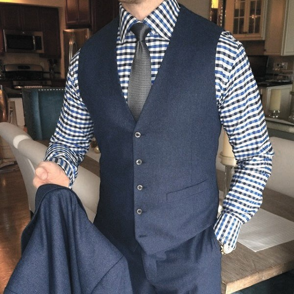 What color of tie and pants goes with a dark blue check ...