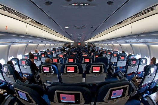 What is the difference between narrow and wide body for What is the difference between delta comfort and main cabin