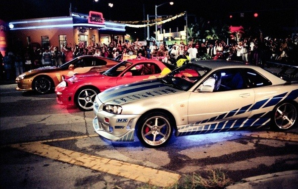 Though It Would Be Cool I Have Yet To See A Huge Crowd Gather Late At Night Around Some Heavily Modified Cars Featuring Under Glow Kits And Crazy Paint