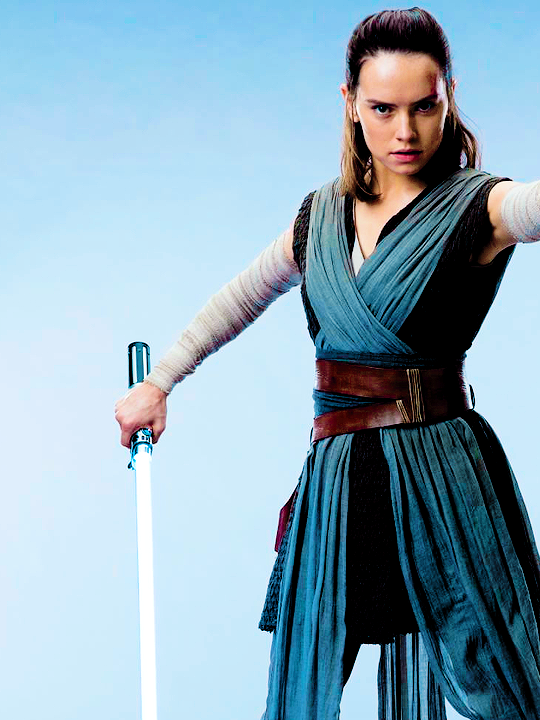 In star wars episode viii where did rey get her change of clothes i believe rey goes through a few different outfits in the movie but this is the one i remember most i assume she picked it up at the resistance base solutioingenieria Choice Image