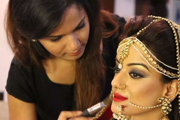 How to choose a perfect bridal makeup Artist for an Indian Wedding ...