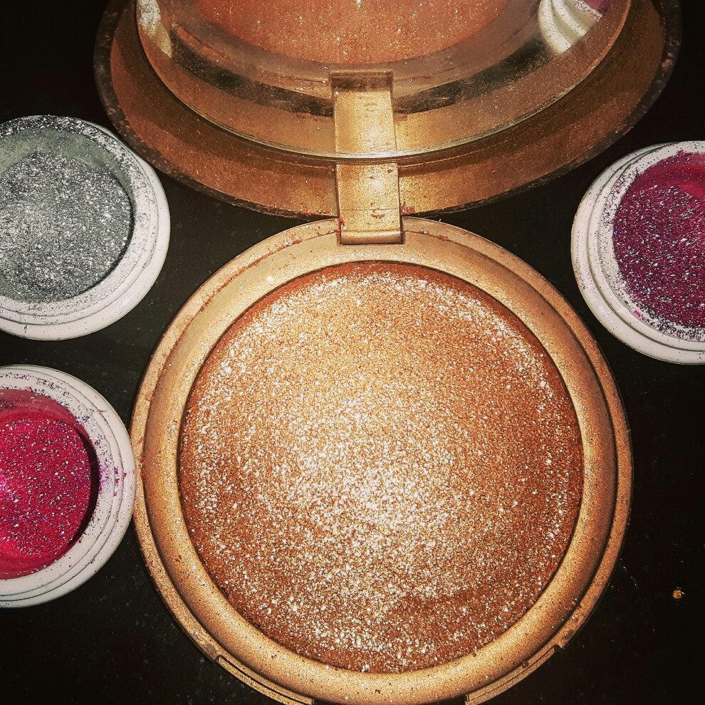 b88c530896bf My daughter wanted some bronzer and glitter pots. Rather than giving her  £100 to go the department store