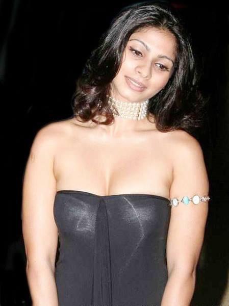 What are some beautiful photos of Tanisha Mukherjee? - Quora