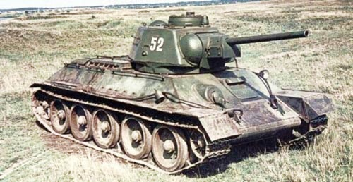 Why do modern video games model WW2 tanks per color based on