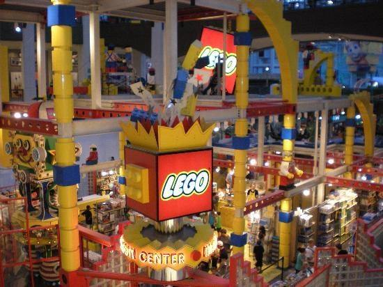 What do you do at LEGOland in the Mall of America? - Quora