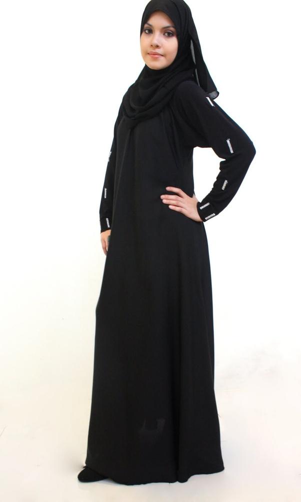 How Female Politicians Handle Dress Code When Visiting Saudi Arabia Photos