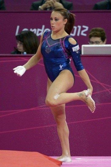 How do artistic gymnastics and rhythmic gymnastics differ? - Quora